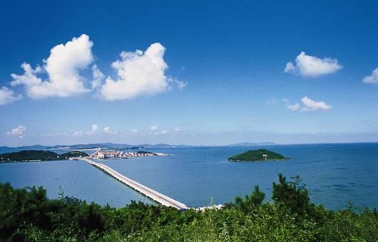 近年来,受国家控二产及太湖生态环境保护的限制,金庭镇西山岛致力于