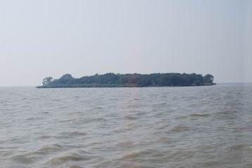 相传平台山为大禹治水所留大石,无论太湖水位多高,其岛也未曾淹没,一