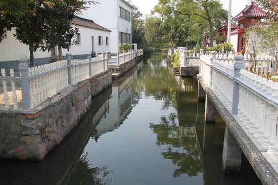 池塘驳岸设计图